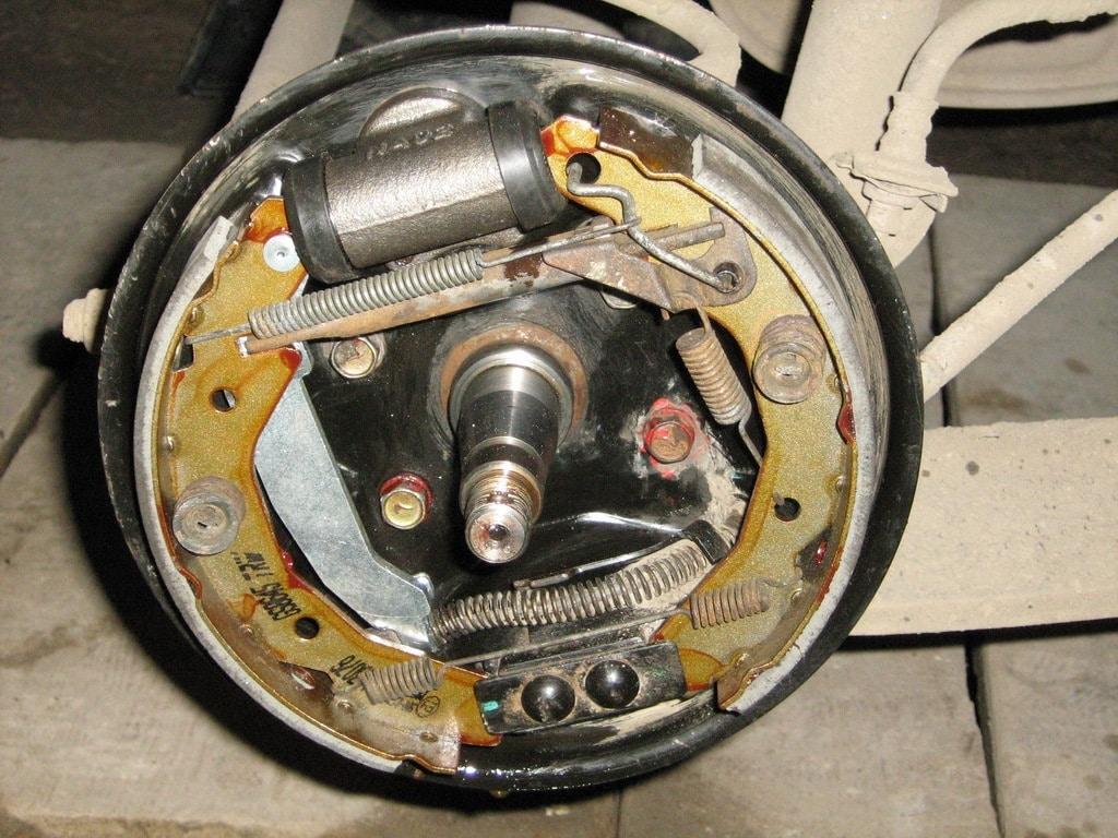 Самостоятельная замена задних тормозных колодок на Daewoo Matiz ChinaAvtoTools