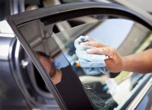 Как самостоятельно затонировать стекла в машине