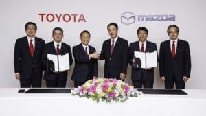 Toyota и Mazda приступают к тесному сотрудничеству